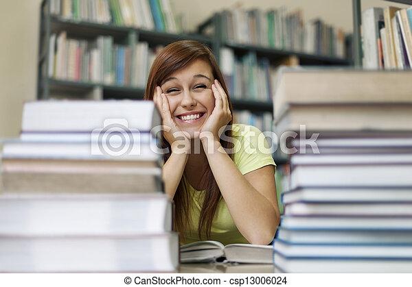 schattig, student, bibliotheek - csp13006024