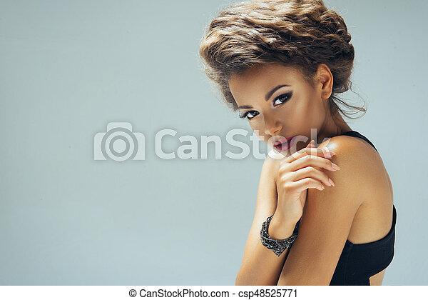 schauen, sexy, frau, afro, kamera. - csp48525771