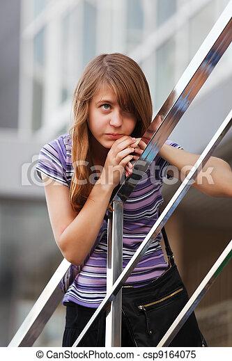schauen, teenagermädchen, weg - csp9164075