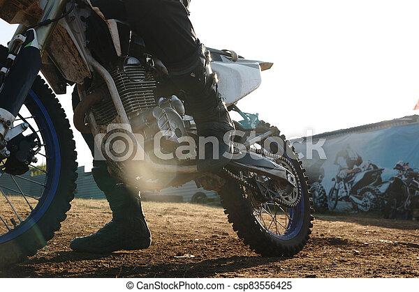 schifting, motorrijder, pedaal - csp83556425