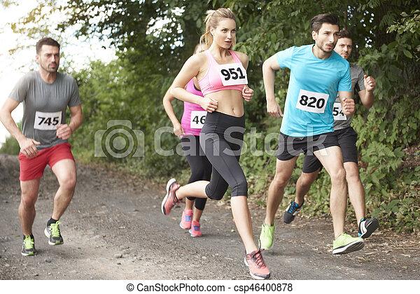 Schnelle Leute im Marathon - csp46400878