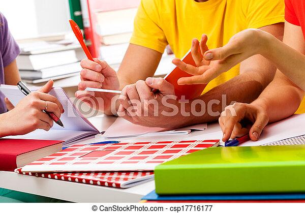 scholieren, leren, samen - csp17716177