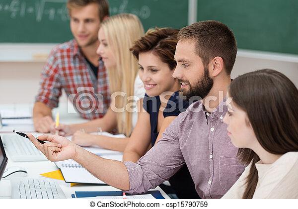 scholieren, studerend , universiteit, samen - csp15790759