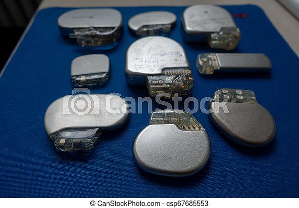 schrittmacher, explanted, recorder, verschieden, defibrillators, ereignis - csp67685553