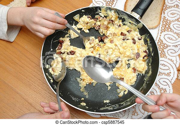 Scrambled eggs - csp5887545