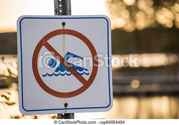 No hay señal de natación - csp64954484