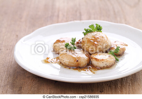 seared scallops - csp21586935