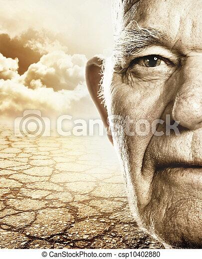 La cara del hombre mayor sobre la tierra del desierto - csp10402880