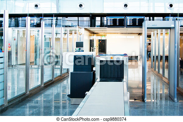 security control point at the airpo - csp9880374