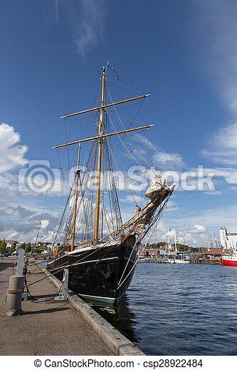 Segelboot zeichnung schwarz  Segelboot, schwarz. Fyn, segeln, gemalt, dänemark, schwarz ...