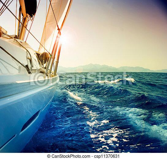 segeln, gegen, yacht, paßte, sepia, sunset., sailboat. - csp11370631
