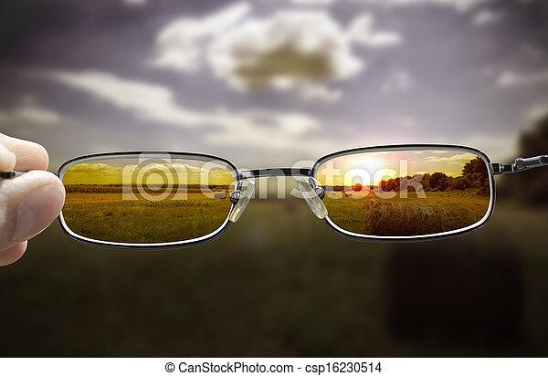 sehen, sonnenuntergang, durch, brille - csp16230514