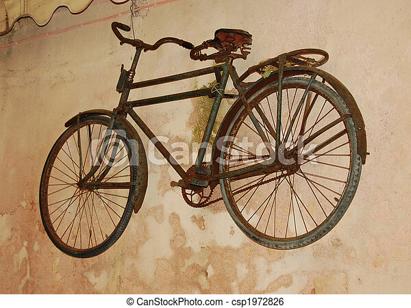 Sehr altes fahrrad wand sehr auch altes fahrrad wand - Fahrrad aufhangen wand ...