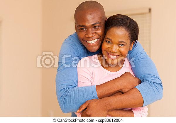 Ich datiere einen afrikanischen Mann Cute Jungs auf Dating-Seiten