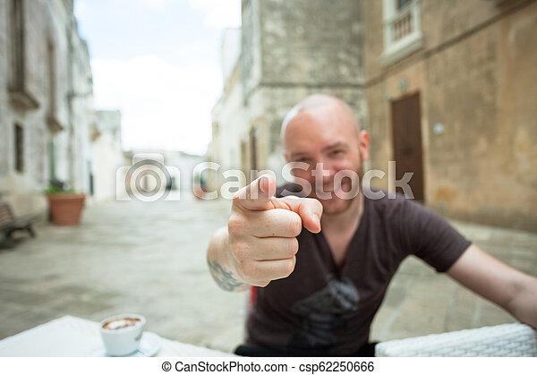 seine, zeigen, -, fotoapperat, apulia, finger, specchia, mann - csp62250666