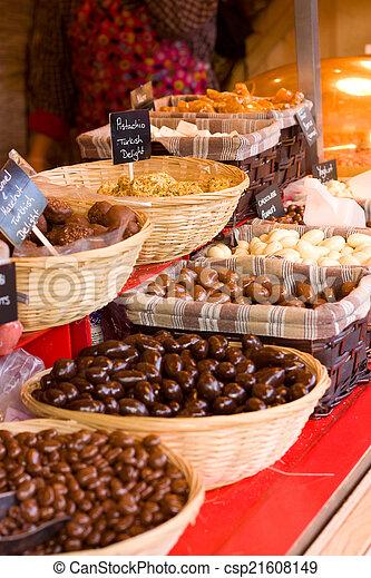 Selección de chocolate. - csp21608149
