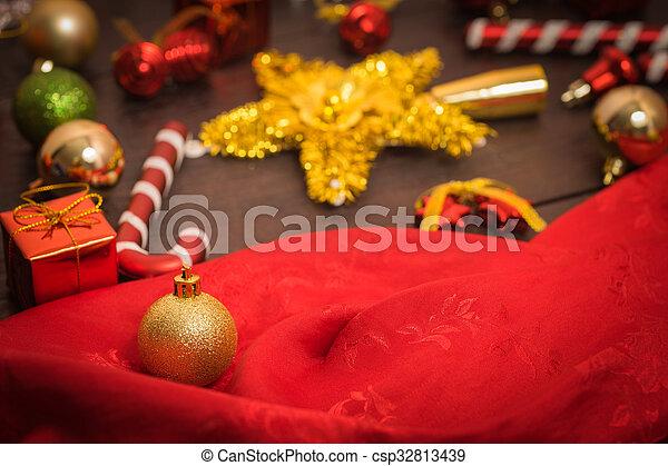 selective focus Christmas backgroun - csp32813439