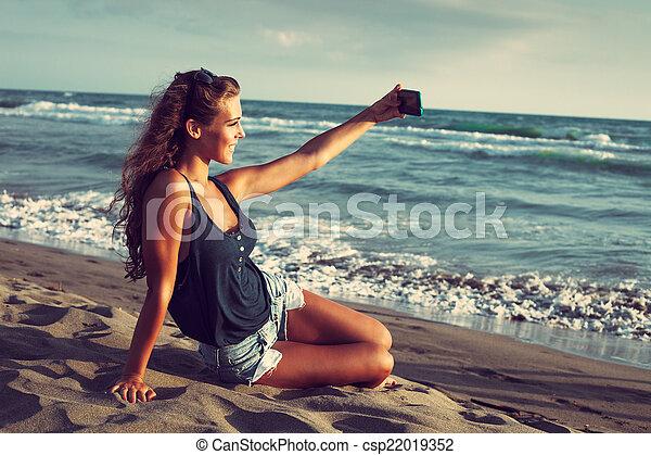 selfie - csp22019352