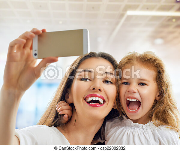 selfie - csp22002332
