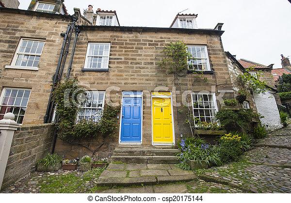 Semi-detached cottage in english village - csp20175144