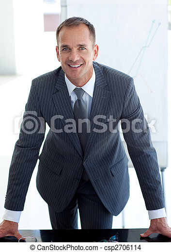 Senior businessman giving a presentation - csp2706114