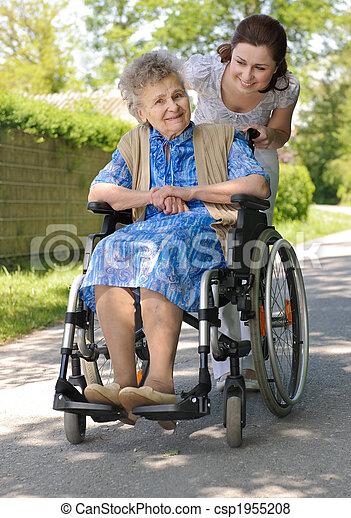 senior woman, szabadban - csp1955208