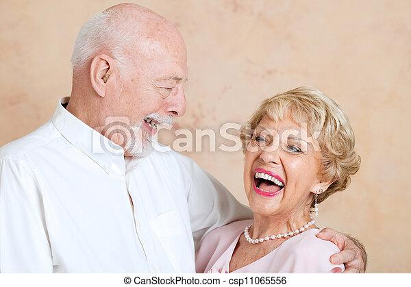 seniores, rir, junto - csp11065556