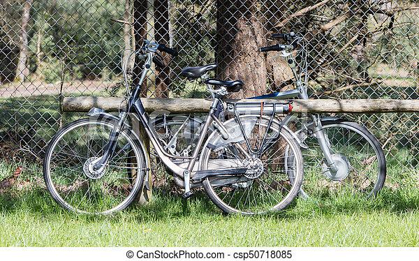seniors, használt, elektromos, főleg, modern, bicikli, bicikli - csp50718085