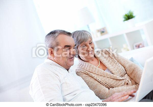 seniors, modern - csp23470396