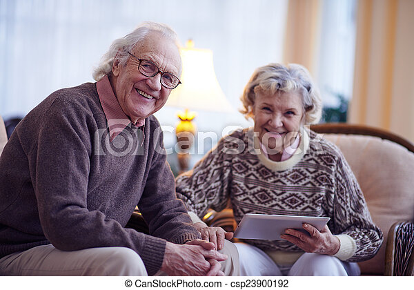 seniors, otthon - csp23900192