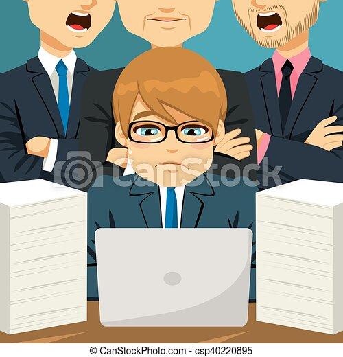 Hombre de negocios siendo regañado - csp40220895