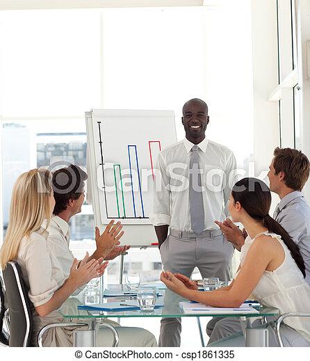El hombre de negocios está siendo apreciado - csp1861335