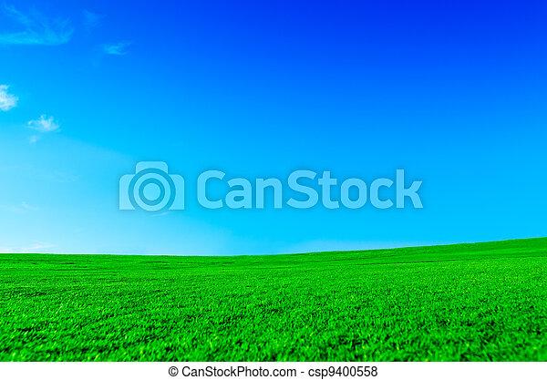 serein, paysage vert - csp9400558