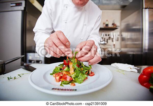 Serving salad - csp21391009