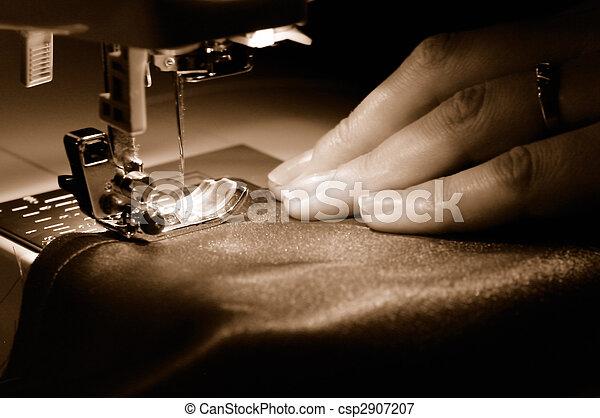 sewing machine - csp2907207