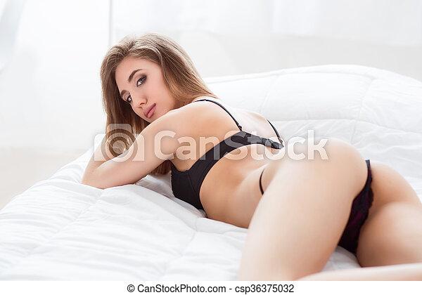 Hot naked blonde amateurs
