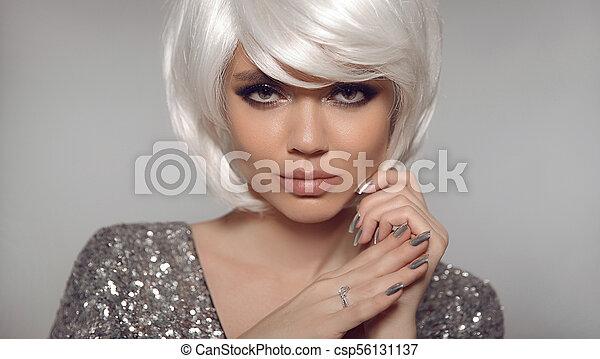 Sexy Coiffure Mode Manucure Clou Bob Blanc Modele Haut Finger Cheveux Courts Diamant Polish Presentation Canstock