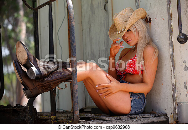 Sexy cowgirl  - csp9632908