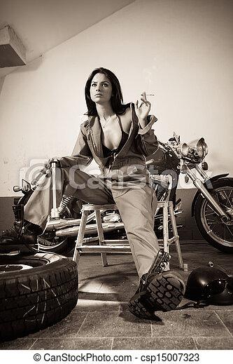 sexy, salopette, femme, mécanicien - csp15007323
