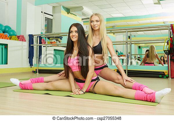 sexy Mädchen machen Spagat