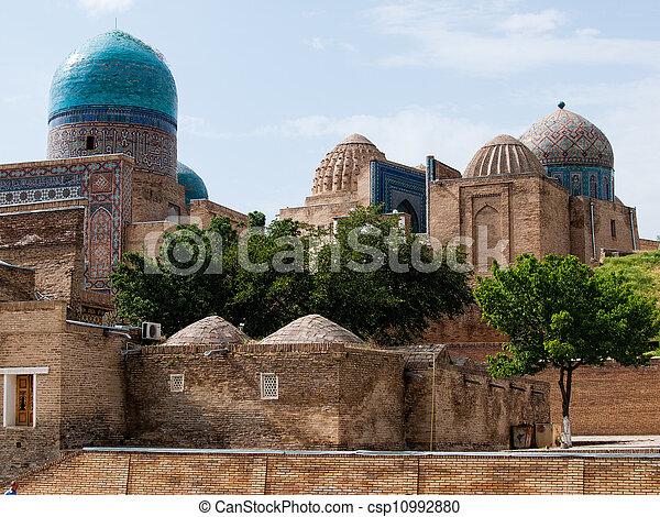 Shah-I-Zinda memorial complex. - csp10992880