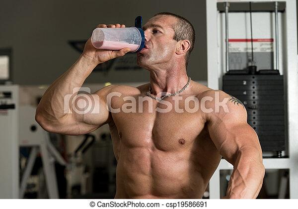 shaker, bodybuilder, proteïne - csp19586691