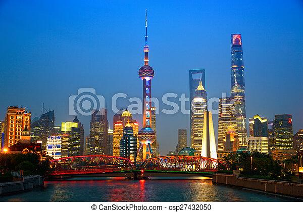 shanghai, anochecer - csp27432050