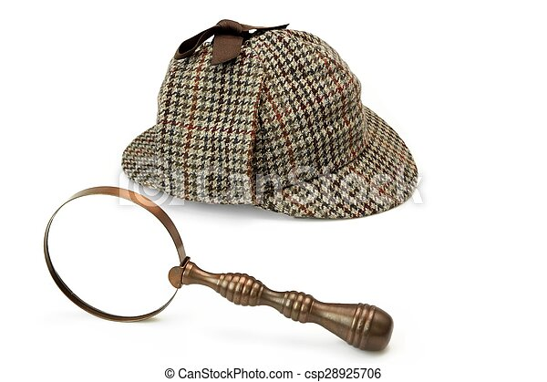 Sherlock Holmes Deerstalker Cap And Vintage Magnifying Glass Isolated - csp28925706