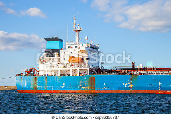 Ship in port - csp36358787