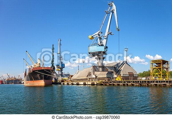 Ship in port - csp39870060