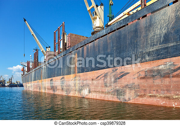 Ship in port - csp39879328
