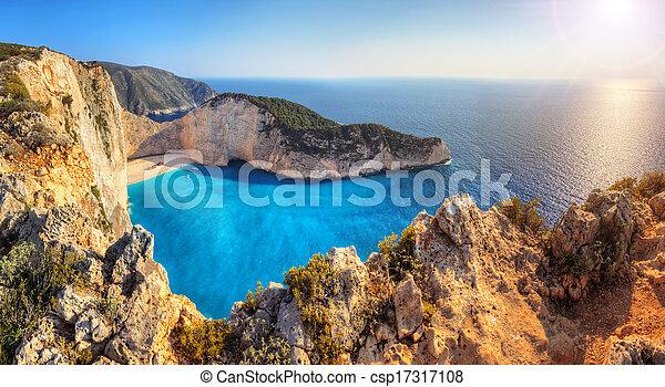 Shipwreck beach - csp17317108