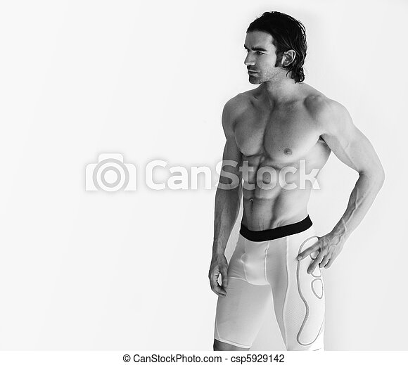 Shirtless male model - csp5929142