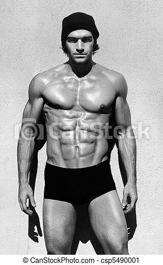 Shirtless muscular man - csp5490001